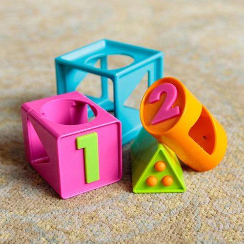Fat Brain Toys - Smarty Cube